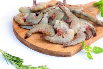 White Prawns / Indian Naaran (Large) - Tail On