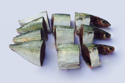 Mackerel / Ayala / Bangda / Aylai (5 to 9 Count/kg) - Curry Cut (includes head pieces)