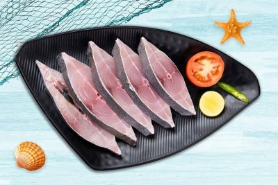 Black Pomfret / Karutha Avoli (300g to 700g) - Steaks (With Skin)