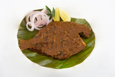 Black Pomfret / Karutha Avoli Pollichathu (cooked in a banana leaf) - pack of 1 fish (220g to 300g)