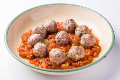 Albondigas Con Tomata Salsa Y Cilantro / Chicken Meat Balls In Tomato Sauce And Coriander Leaves (Mexico) - Pack