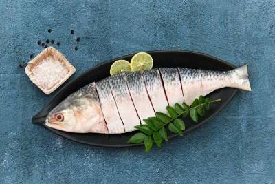 Hilsa / Ilish (300g to 450g) - Bengali Round Cut (Only scale, gills removed. Includes head and tail, tasty oils/eggs)