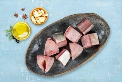 Indian Salmon / Vazhmeen / Raavas / Gurjali - Curry cut (May include head pieces)