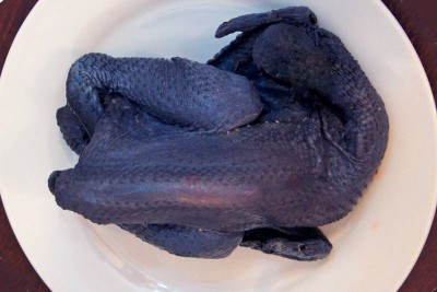 Free Range Kadaknath Country Chicken / Nattu Koli - Whole Cleaned (Skinless)
