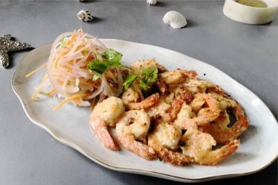 Lasooni Malai Prawns (Creamy Garlic Prawns)