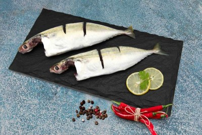 Mackerel / Ayala / Bangda / Aylai (3 to 5 Count/kg) - Curry Cut (includes head pieces)