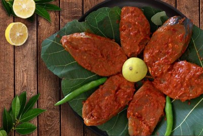 Seer Fish / Neymeen / Surumai / Vanjaram (750g to 2kg) - Marinated Steaks 250g pack (for Tawa fry)
