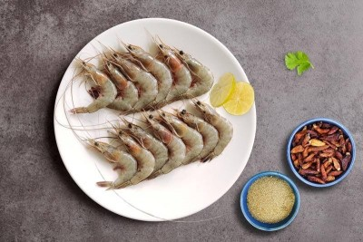 Great Indian White Prawns / Indian Naaran (Wild Caught)  (Small)