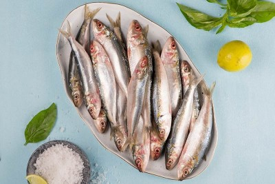 Premium Sardine / Mathi (Soft, fish belly might open-up due to healthy oil) - Whole (without cleaning and cutting)