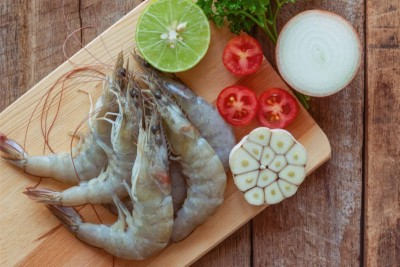 Indian Prawns / Venami / Vannamei (40+ Count/kg) - Whole (Not Cleaned)