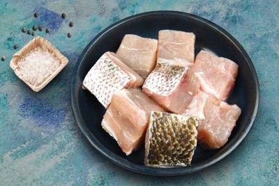 White Snapper / Vela Meen - Curry cut (May include head pieces)