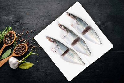 Large Mackerel / Garfa / Ayala - Curry Cut (includes head pieces)