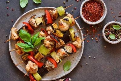 Gourmet Spicy Sambal Chicken - Skewers / دجاج - جورميه  بصلصة سامبال الحارة – أعواد